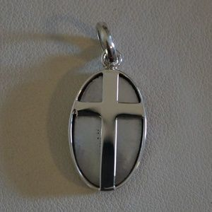 Jewelry - Sterling Silver Genuine Mother Of Pearl Pendant